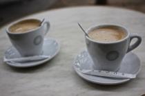 Cafe au lait, deux!